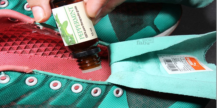 How to Deodorize Your Shoes With Essential Oils