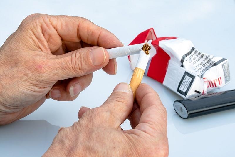 tobacco effects on teeth